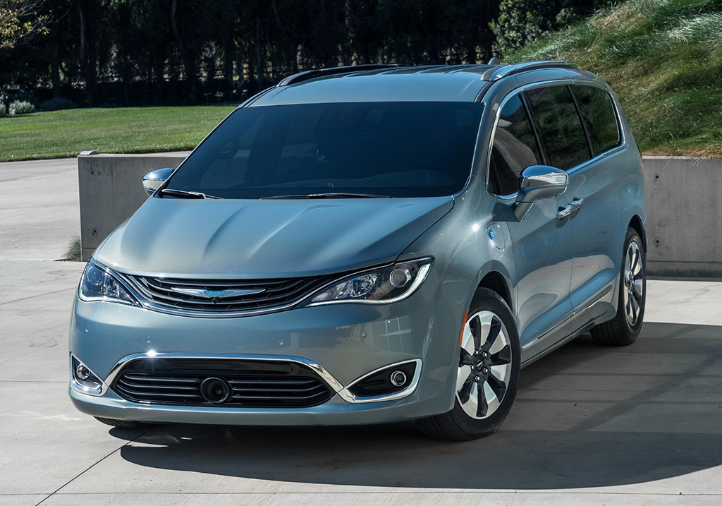 Chrysler Pacifica 2016 - dabar